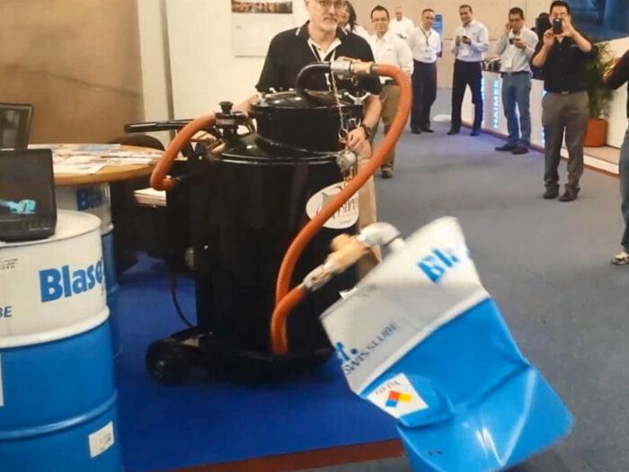 Demonstration of SmartSkim Sump Cleaner