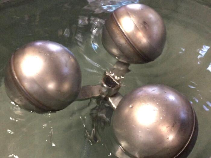 Tri-Float Skimmer